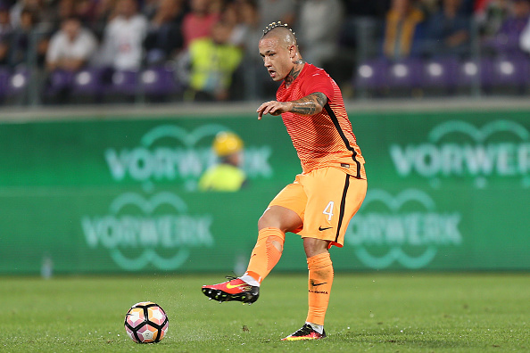 FLORENCE, ITALY - SEPTEMBER 18: Radja Naiggolan of AS Roma during the Serie A match between ACF Fiorentina and AS Roma at Stadio Artemio Franchi on September 18, 2016 in Florence, Italy. (Photo by Gabriele Maltinti/Getty Images)